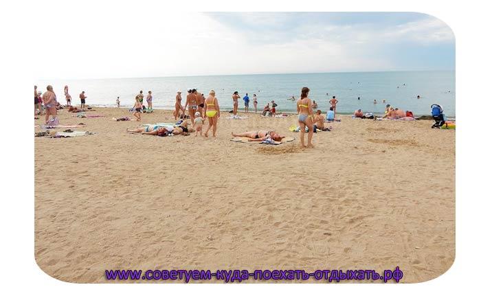 Где в Крыму песчаные пляжи и чистое море и мало народу: лучшие места для отдыха в Крыму